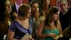 AVENIDA BRASIL - Carminha surta e faz um barraco no casamento de Roni...